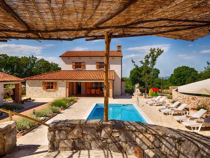piscina casa isola Krk