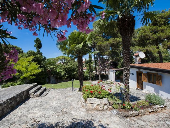 Rovigno casa vacanze con giardino